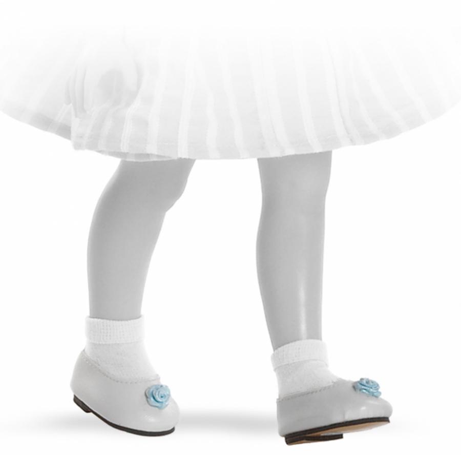 Туфли для кукол размером 32 см., белые с голубым цветкомИспанские куклы Paola Reina (Паола Рейна)<br>Туфли для кукол размером 32 см., белые с голубым цветком<br>