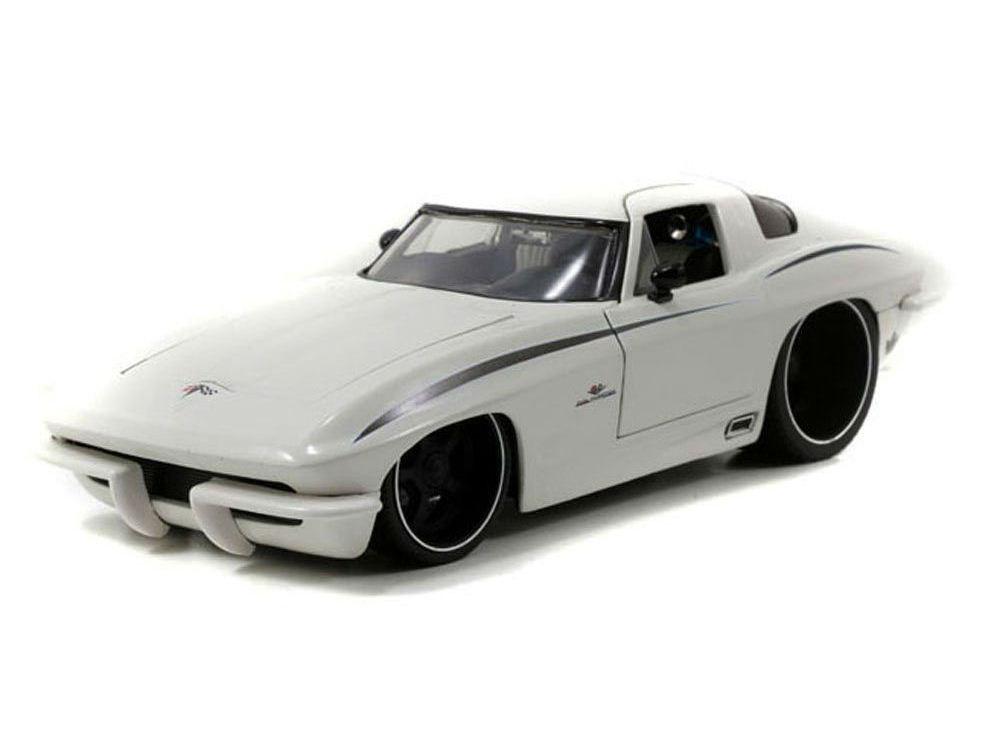 Модель автомобиля 1963 Corvette Stingray Centennial 1:18Chevrolet<br>Модель автомобиля 1963 Corvette Stingray Centennial 1:18<br>