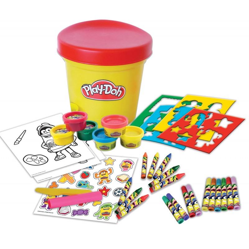 Набор из серии Play doh - Необычное ведерко, с пастой для лепки, маркерами, наклейками, восковыми мелками и трафаретамиПластилин Play-Doh<br>Набор из серии Play doh - Необычное ведерко, с пастой для лепки, маркерами, наклейками, восковыми мелками и трафаретами<br>