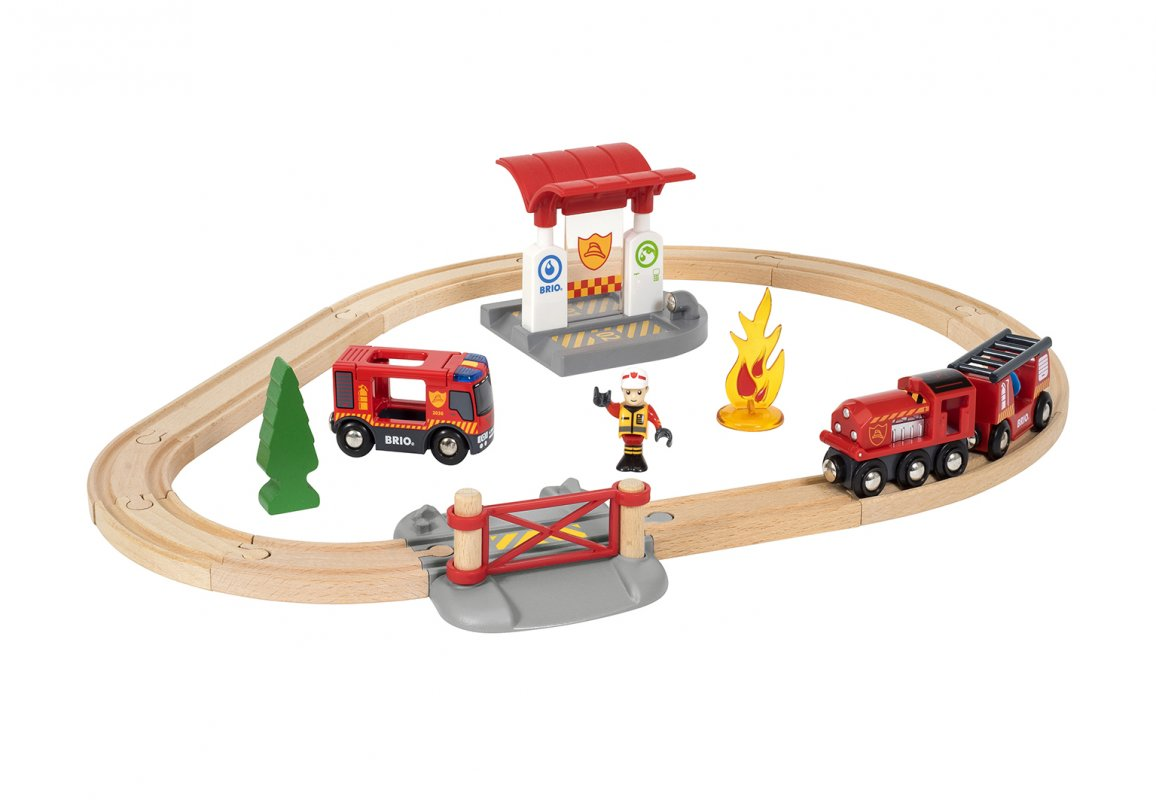 Игровой набор: Пожарная станция свет и звук 18 предметов.