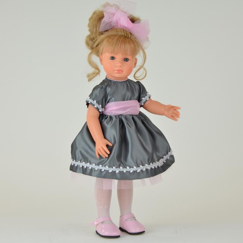 Кукла Нелли в сером платье, 43 см.Куклы ASI (Испания)<br>Кукла Нелли в сером платье, 43 см.<br>