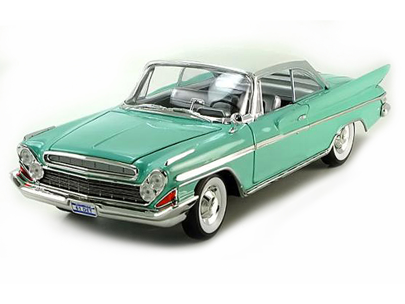 Коллекционная модель автомобиля 1961 года - Desoto Adventurer, 1/18Винтажные модели<br>Коллекционная модель автомобиля 1961 года - Desoto Adventurer, 1/18<br>