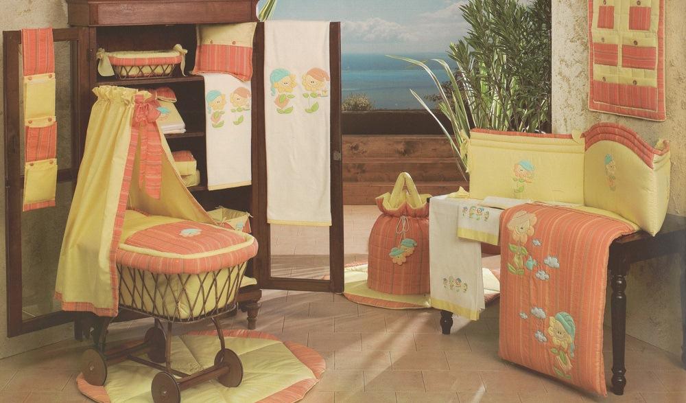 Комплект - Подсолнухи из коллекции 4 времени года: мягкий бортик, одеяло, наволочкаДетское постельное белье<br>Комплект - Подсолнухи из коллекции 4 времени года: мягкий бортик, одеяло, наволочка<br>