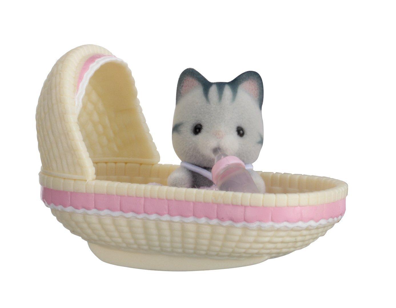 Купить Sylvanian Families. Младенец в пластиковом сундучке - Котенок в люльке, Epoch