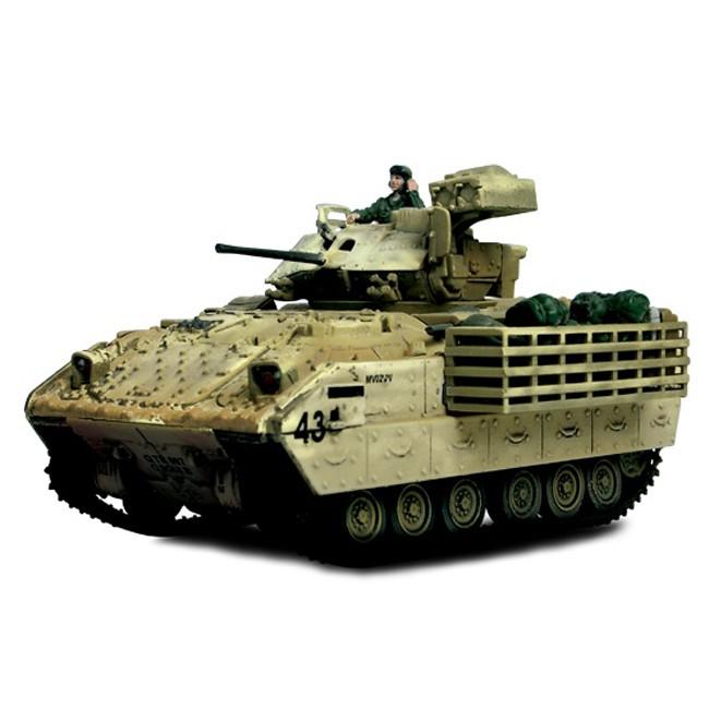 Коллекционная модель - Бронетранспортер M3A2 Bradley 2003, США, 1:72Военная техника<br>Коллекционная модель - Бронетранспортер M3A2 Bradley 2003, США, 1:72<br>