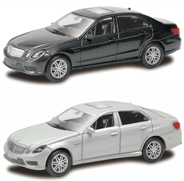 Машина металлическая Mercedes Benz E63 AMG, 1:64, 2 цвета: белый и черныйMercedes<br>Машина металлическая Mercedes Benz E63 AMG, 1:64, 2 цвета: белый и черный<br>