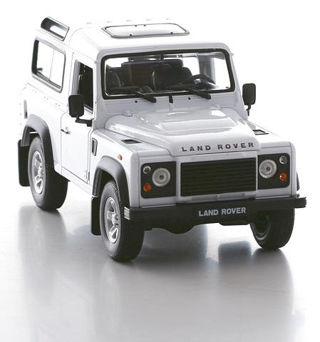 Коллекционная машинка Land Rover Defender, масштаб 1:24