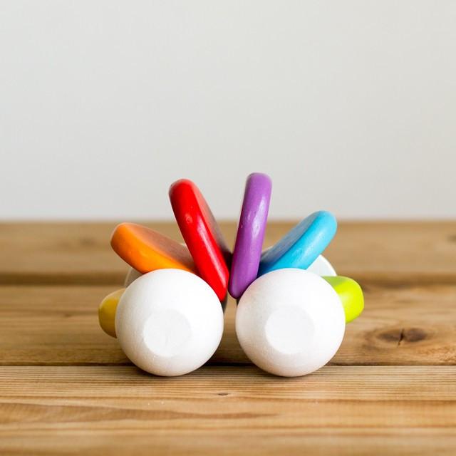 Погремушка из дерева – МашинкаДетские погремушки и подвесные игрушки на кроватку<br>Погремушка из дерева – Машинка<br>