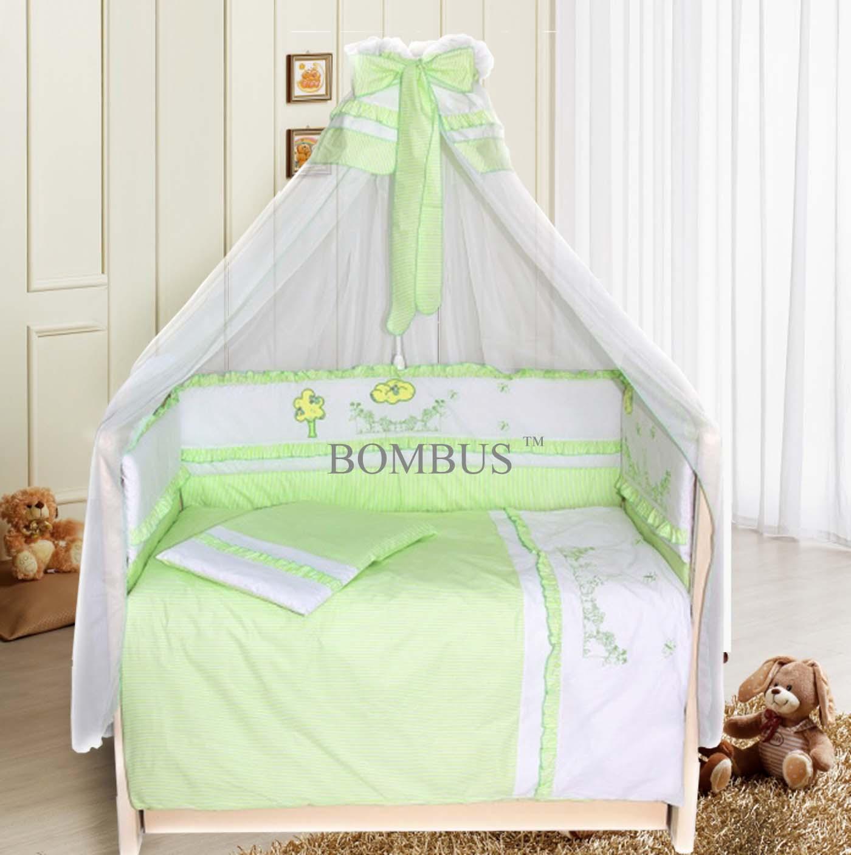 Комплект в кроватку - Веселая семейка, 7 предметов, зелёныйДетское постельное белье<br>Комплект в кроватку - Веселая семейка, 7 предметов, зелёный<br>