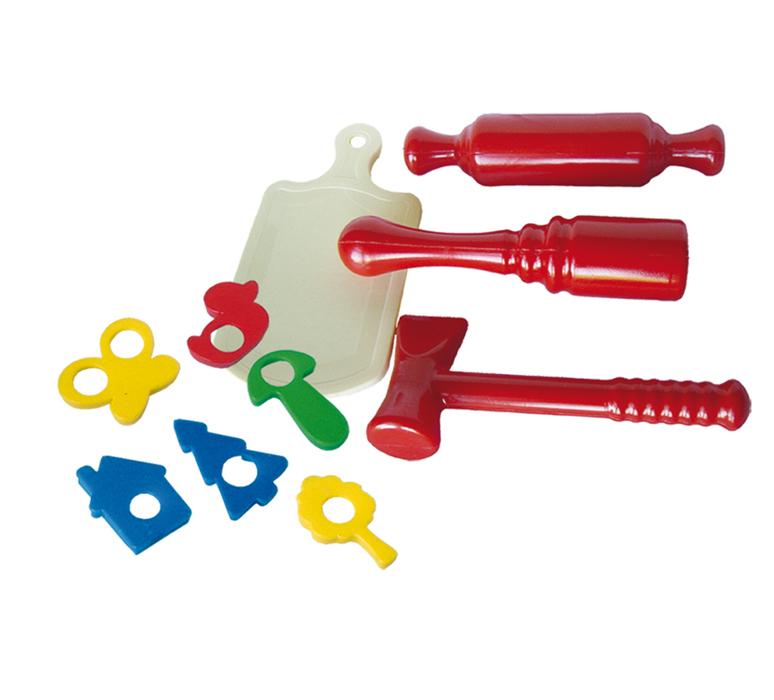 Детский кухонный набор с формочками для печенья и скалкойАксессуары и техника для детской кухни<br>Детский кухонный набор с формочками для печенья и скалкой<br>