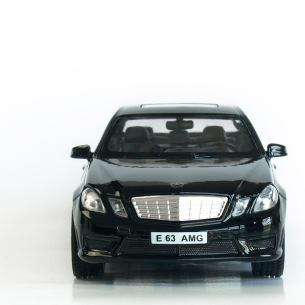 Металлическая инерционная машина RMZ City - Mercedes Benz E63 AMG, 1:32, черный матовыйMercedes<br>Металлическая инерционная машина RMZ City - Mercedes Benz E63 AMG, 1:32, черный матовый<br>