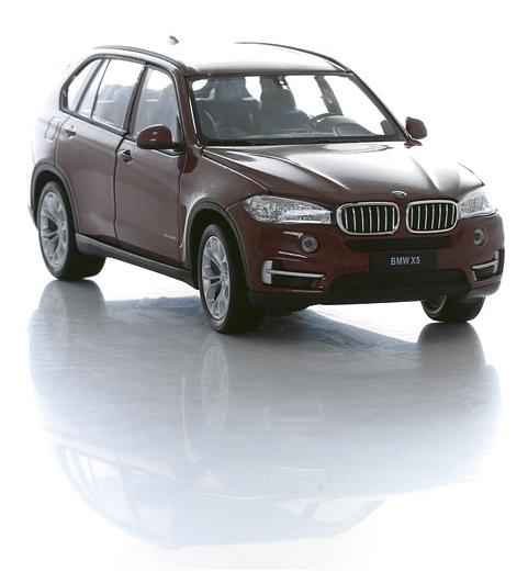 BMW X5, кузов F15, масштаб 1:24