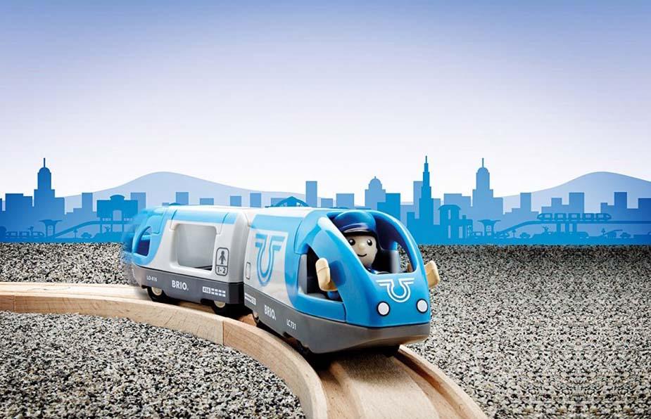 Поезд-экспресс с машинистом 2 элемента свет и звук.