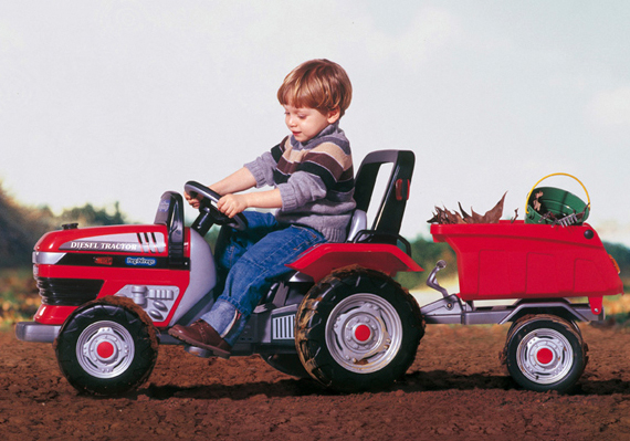 Трактор педальный Peg-Perego Maxi Diesel Tractor D0551Педальные машины и трактора<br>Трактор педальный Peg-Perego Maxi Diesel Tractor D0551<br>